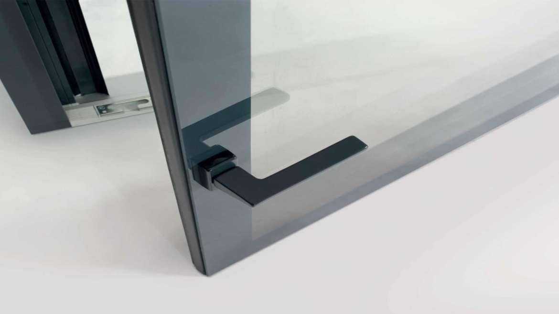 Effetto tutto vetro con la finestra Prolux Vitro Oknoplast
